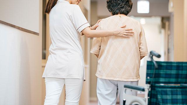 介護福祉士への就職・転職を考えている方必見! 資格取得のコツとは?