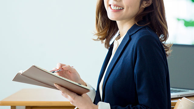社会保険労務士の資格取得を目指す人必見! 試験概要や学習法を紹介